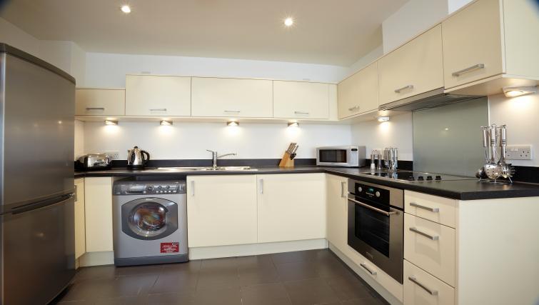 Kitchen at Pennant House Apartments - Citybase Apartments